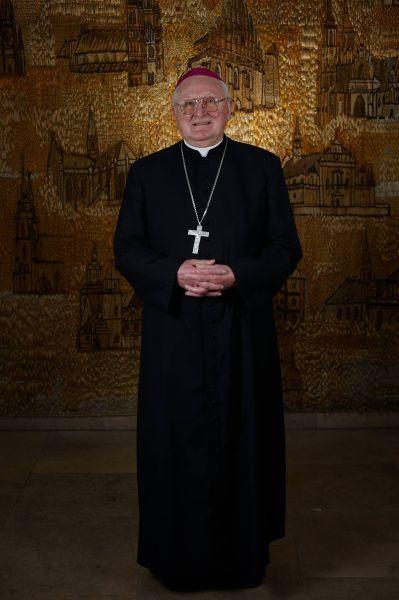 Biskup Janusz Zimniak