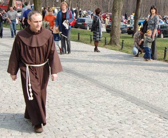 Żywe Słowo Boże w życiu i misji kapłanów – list biskupów na Wielki Czwartek 2009