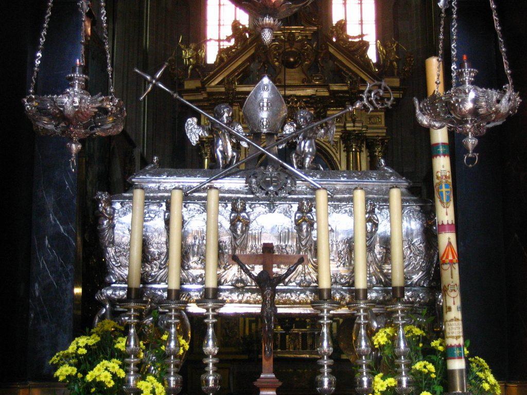 Polski: Konfesja bp Stanisława na Wawelu Wawel Cathedral   Data sierpień 2004(2004-08) Źródło Praca własna Autor Bogitor pl.wikipedia