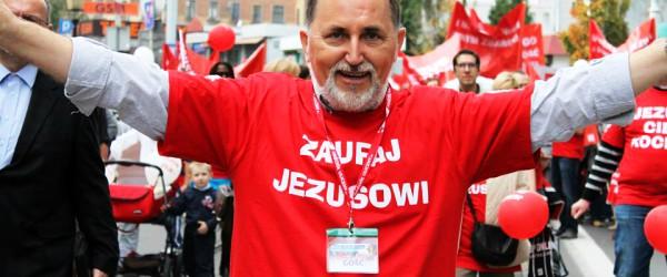 Marsz dla Jezusa przejdzie ulicami Krakowa W sobotę 23 maja z Placu Wolnica pod honorowym patronatem Prezydenta Miasta Krakowa wyruszy Marsz dla Jezusa. W pokojowej manifestacji wezmą udział katolicy i […]